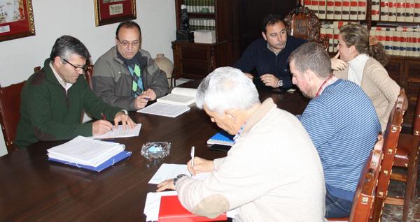 Firma-Acuerdo-Horario-Empleados-Municipales-Mairena-del-Alcor