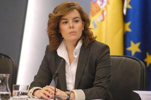El Gobierno, a través de su vicepresidenta, Soraya Sáenz Santamaría presentando una inyección de liquidez, 3 veces superior al Plan E