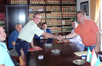 Firma-Acuerdo-LaBarreraCF-CDMairena