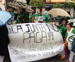 Concentracion_Empleados_Geron-la-Junta-no-paga