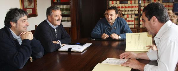 Firma-convenio-ayuntamiento-mairena-del-alcor-padel-los-alcores