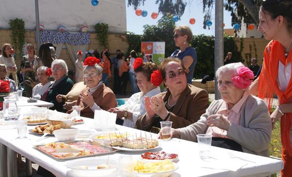 La residencia de mayores Alconchel ya se transformará por un día en la Feria de Mairena.