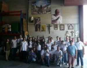 Los miembros del grupo joven de la Hermandad de la Borriquita