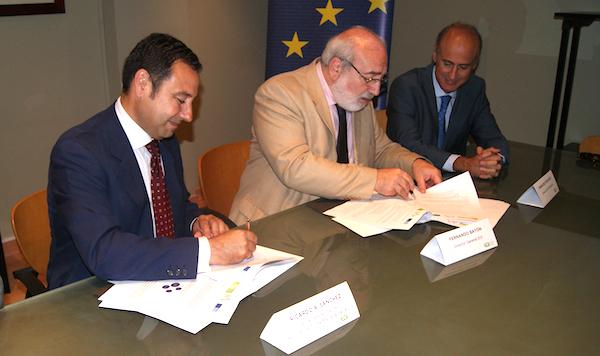 Firma acuerdo Aceleradora Empresas_600