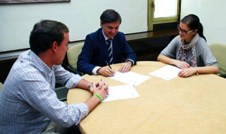 Firma becas transporte para estudiantes