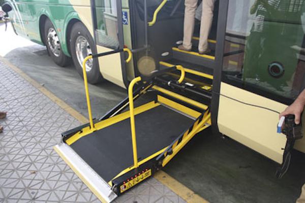 Nuevo bus 126_escalera MR