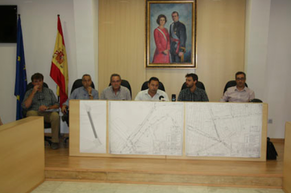 Obras calle San José autoridades