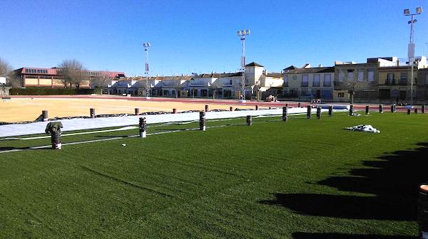 Campo cesped artificial polideportivo 2