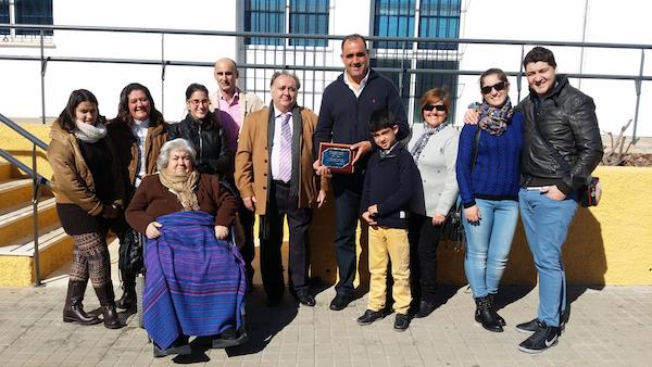 familia de Antonia Marquez homenajea al Policia