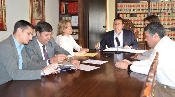 Firma convenio terminación El Prior