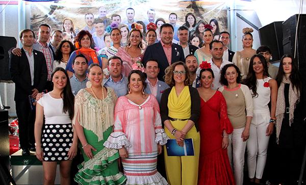 Foto familia Presentación Adelante Mairena Feria