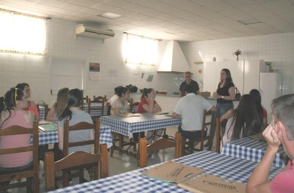 Este taller pretende dar a conocer los platos tradicionales de la Campiña y Los Alcores, transmitir la gastronomía del territorio como parte del patrimonio y promover entre las personas jóvenes la dieta mediterránea, al tiempo que se difunden los beneficios de la elaboración de platos con productos de temporada y ecológicos.