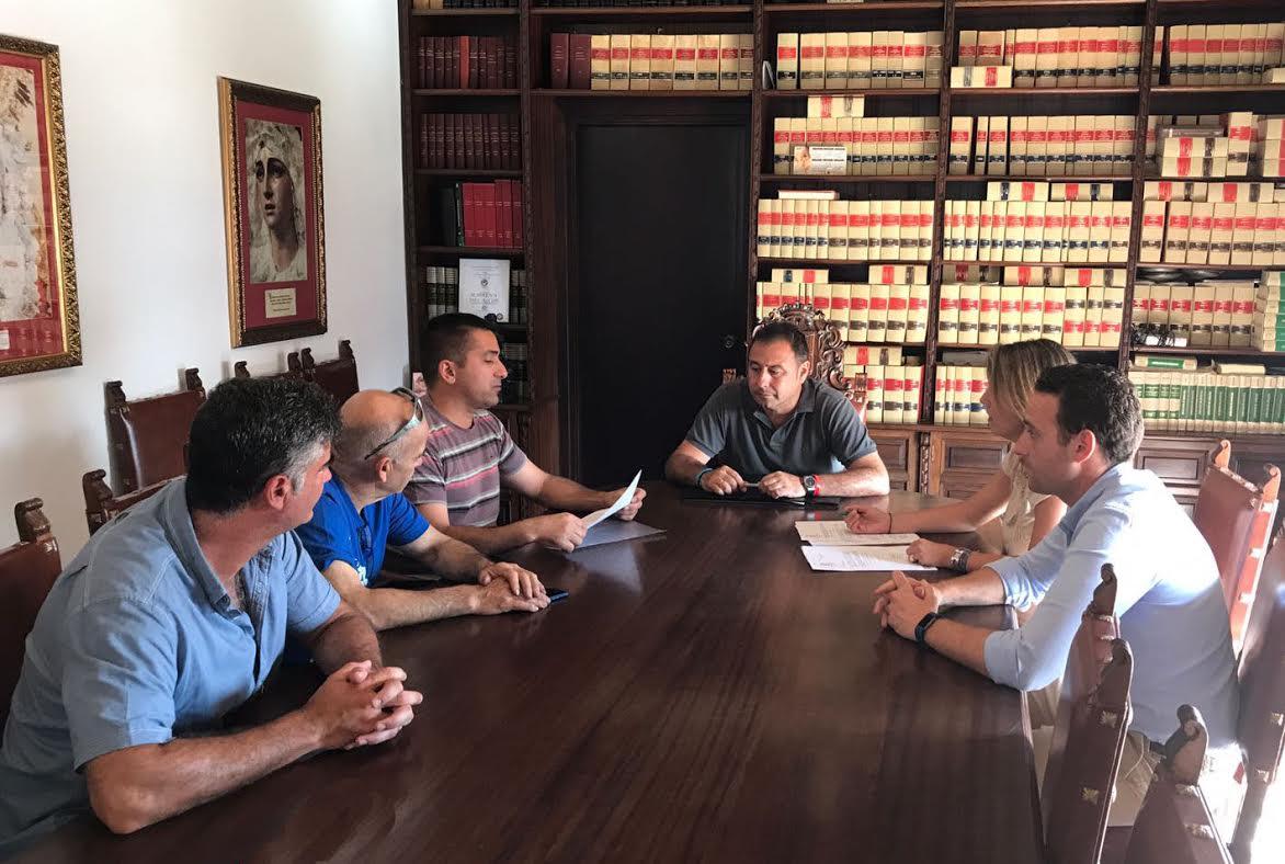 PARA FOMENTAR LA PRÁCTICA DEPORTIVA, CEDEN PARCELA A LA ASOCIACIÓN MOTOCLUB ALESER